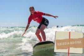 Kajakken Met Dolfijnen & Leren Surfen In Byron Bay || The Travel Tester