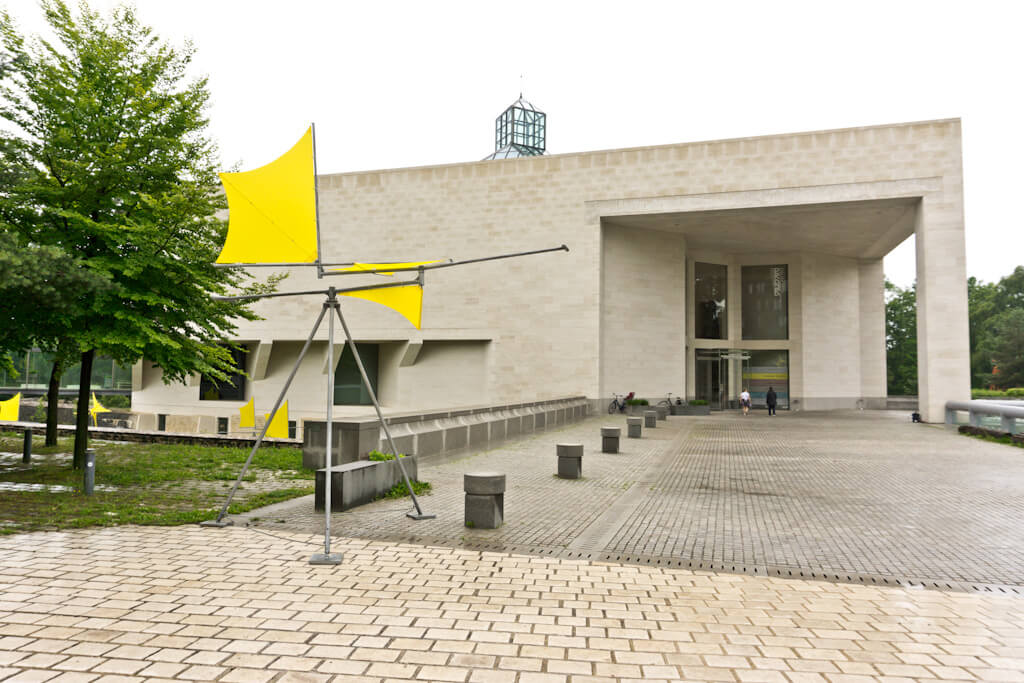 What to do in Luxembourg for a Weekend? See the Highlights with these Tips!    The Travel Tester    #luxembourg #cityguide #travel #luxembourgcity #weekendbreak #museum