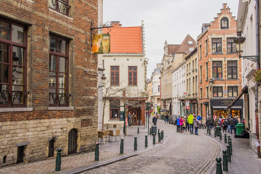 One Day in Brussels, Belgium? Complete Guide to a Perfect City Break || The Travel Tester || #Brussel #Brussels #Belgium #Travel #CityGuide #Belgie #Architecture #Restaurant