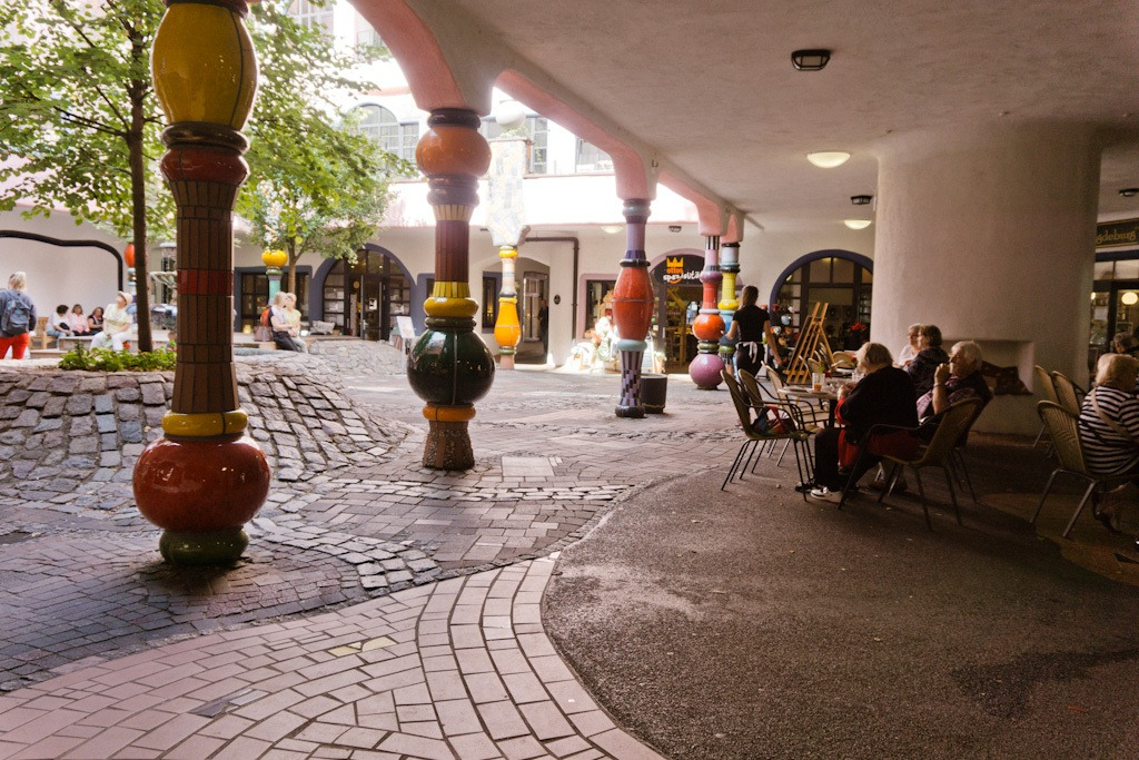 Review ArtHotel Magdeburg: Hundertwasser Architecture in Germany! || The Travel Tester